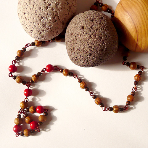 """Dřevěný boho náhrdelník \""""Pro paní Veverkovou\"""""""