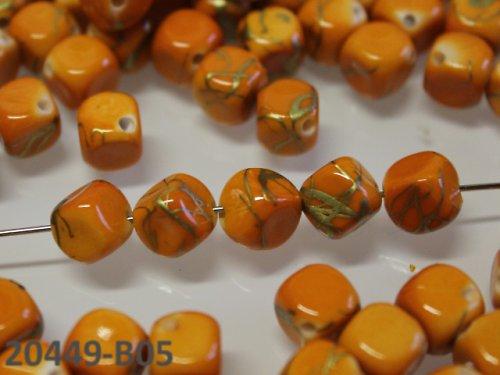 20449-B05 Korálky kostky mramor ORANŽ bal.15ks