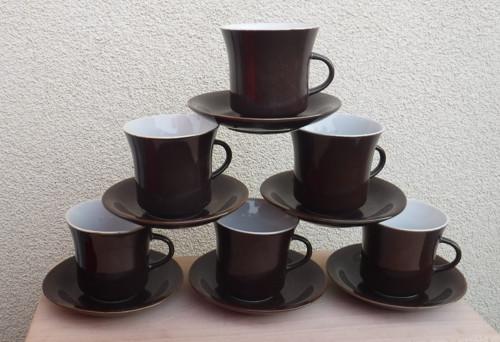 Na kafíčko - hrnečky s podšálky
