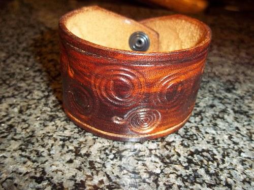 Kožený náramek - dřevo