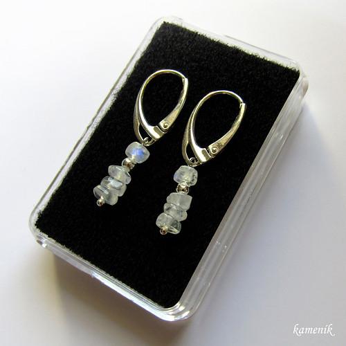 Stříbrné náušnice - adular - měsíční kámen