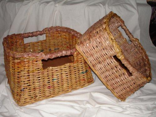 košíky pletené z papíru