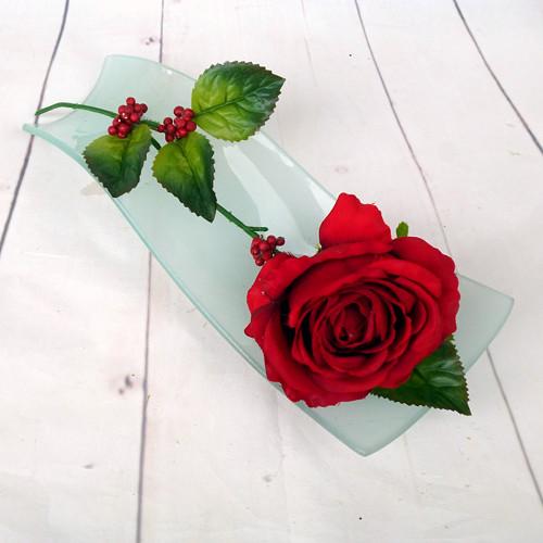 Rudá růže na zeleném skle