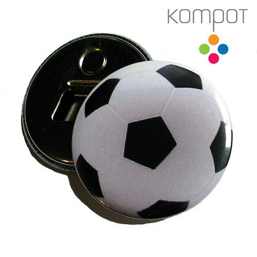 Otvírak s fotbalovým míčem