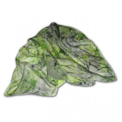 Zeleno-šedo-černý batikovaný šátek