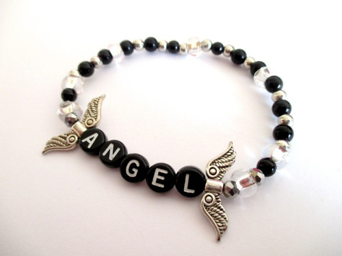 Korálkový náramek pro andílka