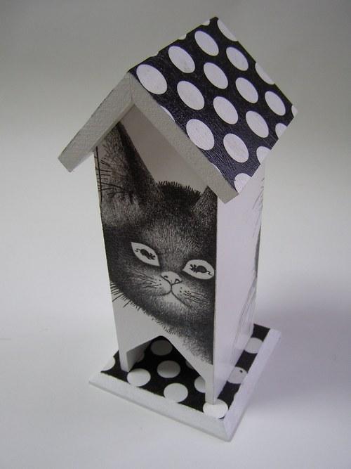 Domeček na čaj - Kočka číhá