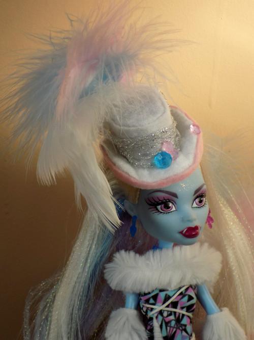 Klobouček pro panenku Královna ledu