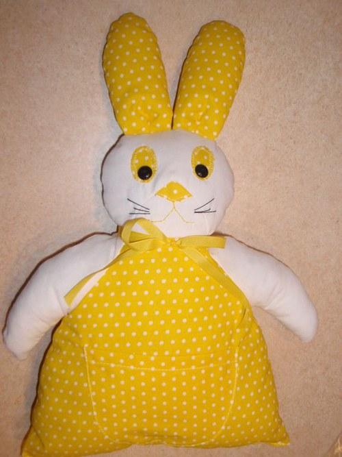 Šitá hračka - žlutý zajíček