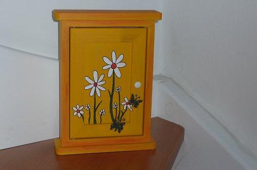 Dřevěná skříňka na klíče KOPRETINKOV