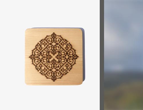 Ornament gravírovaný na dřevo