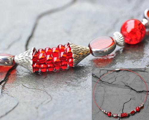 Červený náhrdelník pevný N0080R
