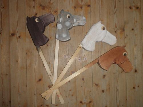 Dětský koník dřevěný