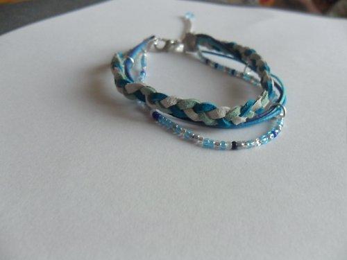 Modráček - náramek z kůže