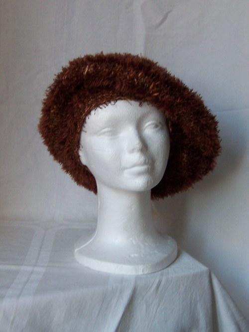 Hnědý střapatý baret