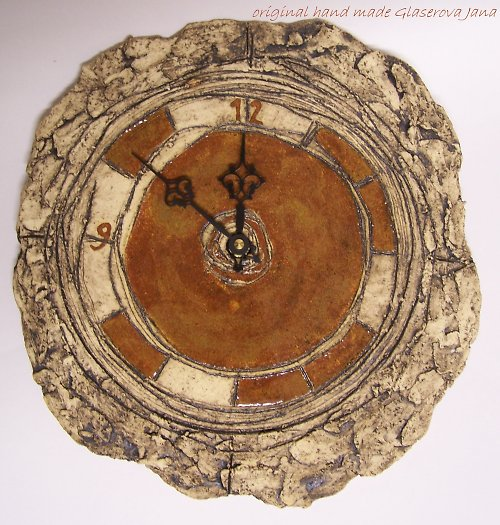 originál hodiny kruhové-oranžovo-hnědé