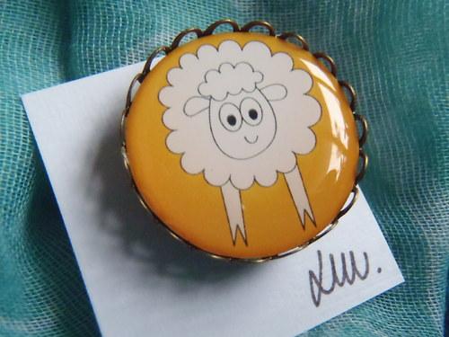 Žlutá béé ovečka
