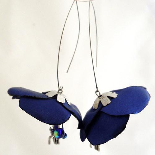 Náušnice: Tmavě modré květy