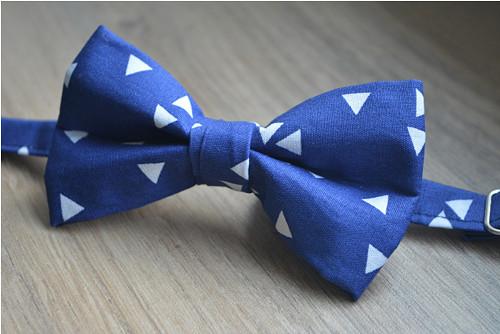 Modré trojúhelníčky - dětský motýlek