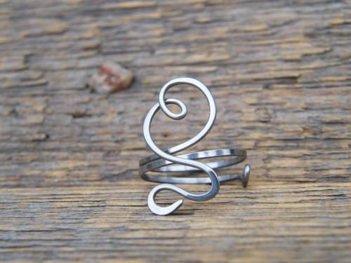 Nezdobený prstýnek z chirurgické oceli