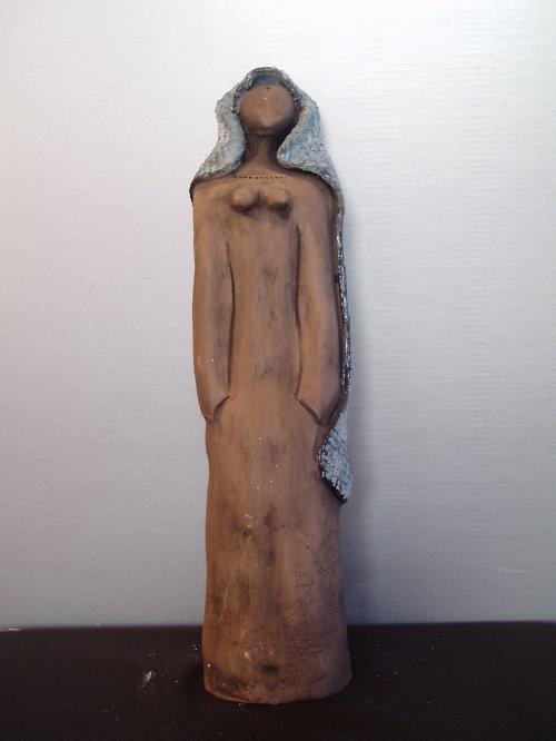 keramická panenka