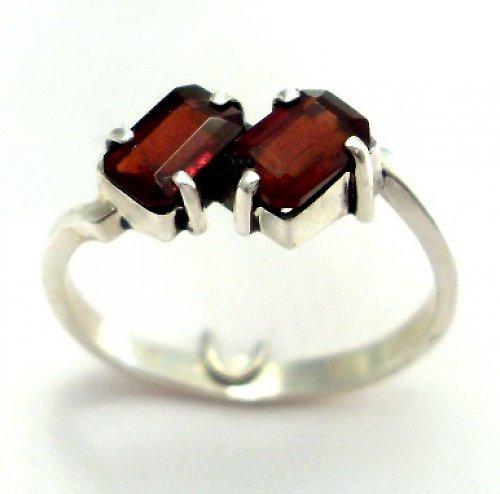 Prsten «Domino» - stříbro 925, přírodní granát