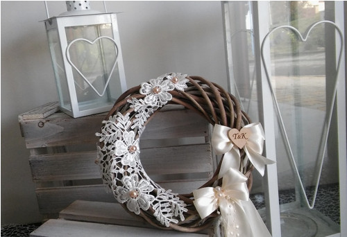 Věnec, věneček, dekorace na dveře s krajkou