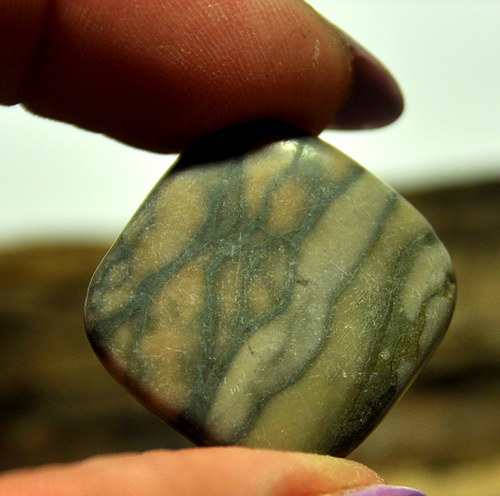 Marble kosočtverec 25 mm vrtané