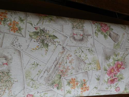 metráž,květinové pohlednice na béžové