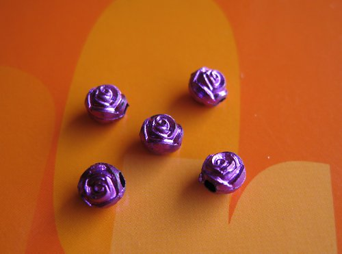 Komponent fialový růžičky,cena za 14ks