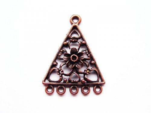 Trojúhelník s květem ((O16))