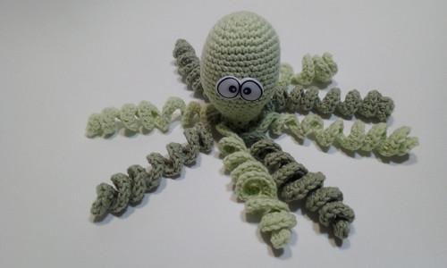 Newborn chobotnička - zelená a zelinkavá