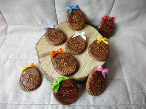 Velikonoční vajíčka z dekorativního perníku