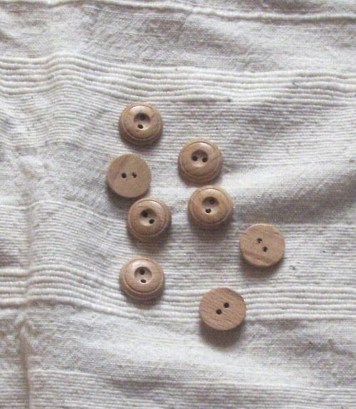 dřevěné knoflíky 15mm