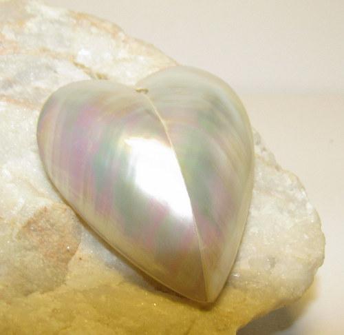 Filipínské Srdce z perleti 35x34 mm