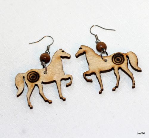Koně s terčem naušnice