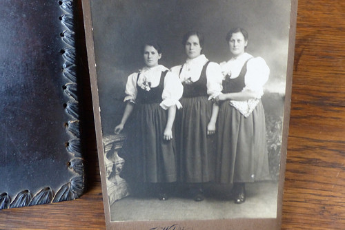 Sestřenky... kabinetní fotografie