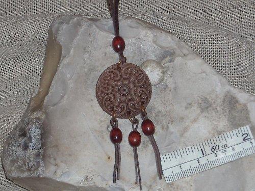 Přívěsek s ornamentem