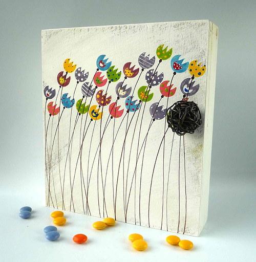 Sušák trpaslíků s alarmem - bílý s tulipány