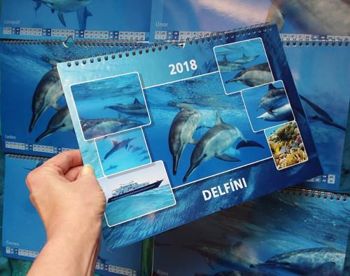 Nástěnný kalendář DELFÍNI 2018