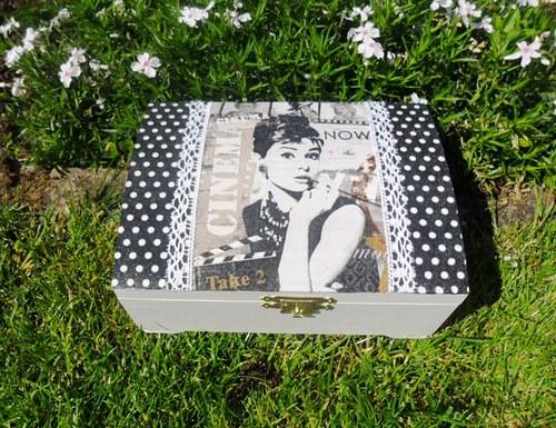 """Kufřík \""""Audrey Hepburn\"""""""