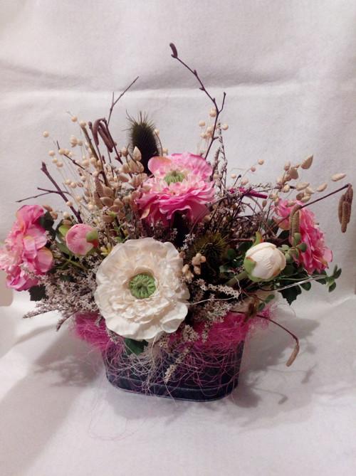 Květinové aranžmá v oválu