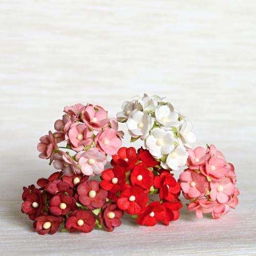 Papírové květy - červenobílý mix 5 ks