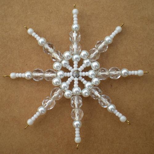 Perličková hvězdička s broušenými korálky