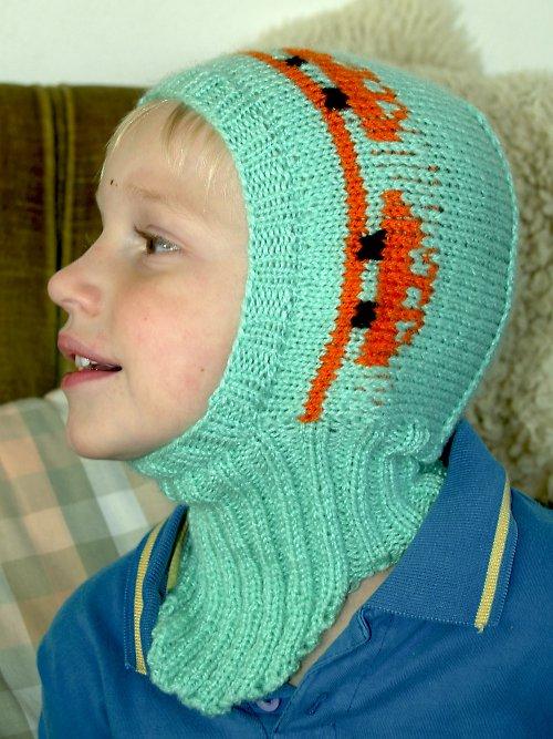 Kukla dětská pletená tyrkysová s autíčky