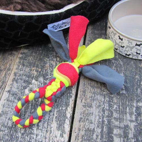 IHNED: Uzlík s míčkem pro štěňátka a malé psy