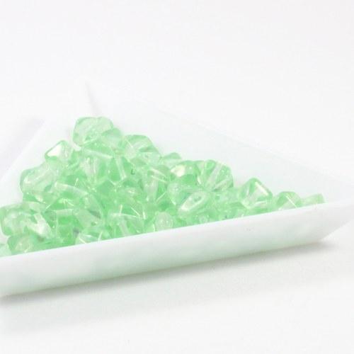 Zelené pyramidy 6 mm 40 ks
