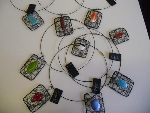 drátovaný šperk