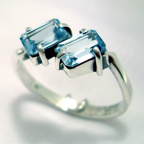 Prsten «Domino» - stříbro 925/1000, modrý topaz