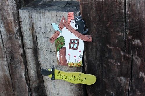 Dřevěná cedulka na dveře HRUŠKOVI